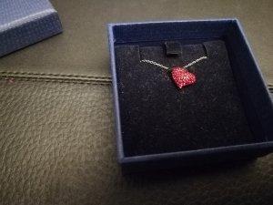 Schöne Silberkette mit Herzanhänger von Swarovski, wie neu