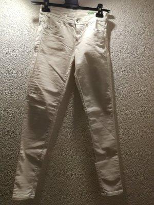 Schöne Skinny-Jeans in Größe 26