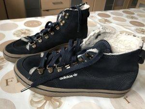 Schöne Sneaker