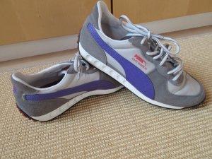 Schöne Sneaker, Puma Easy Rider 3 Wildleder grau und violett