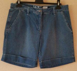 Schöne Sommer Jeans Shorts / Bermuda Gr. 46
