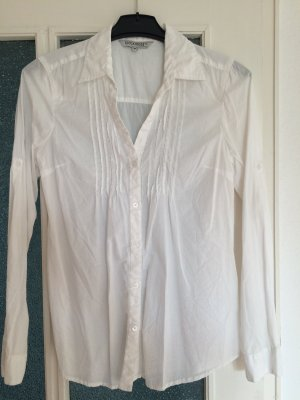 Schöne sommerliche Bluse in weiß