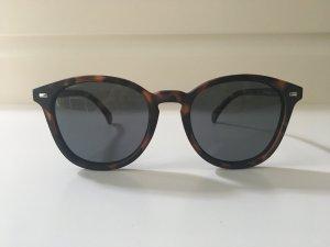 Schöne Sonnenbrille fast wie neu