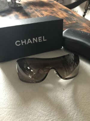 Chanel Occhiale da sole marrone