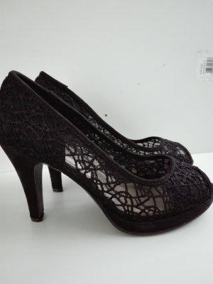 Schöne Spitzen Schuhe in schwarzer Farbe,Absatz 8-9 cm ungefähr.