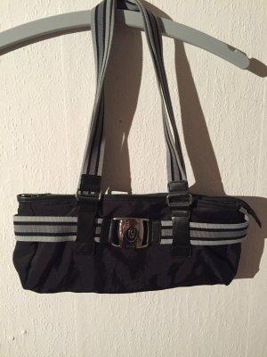 Schöne sportliche Tasche von s.Oliver