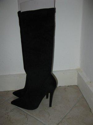 Schöne Stiefel aus leicht elastischem Veloursleder, EU36, ideal zu Kleidern, Röcke