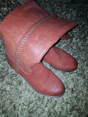 Schöne Stiefel in Rostrot mit Verzierung in Gr.39