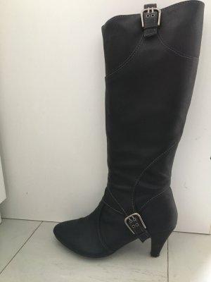 Schöne Stiefel nur einmal getragen