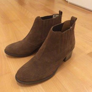 Schöne Stiefeletten / Ankle Boots in khaki