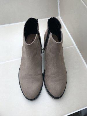 Schöne Stiefeletten Booties im Boho Blogger Style