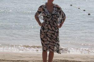 Capo da spiaggia nero-bianco sporco