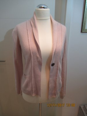 Schoene taillerte Strickjacke in hellem Rosa mit 30% Angoraanteil Cardigan