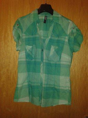 Schöne taillierte bluse/ Hemd