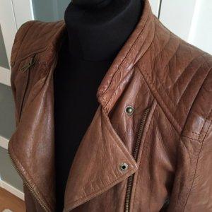 Schöne taillierte Jacke von Zara