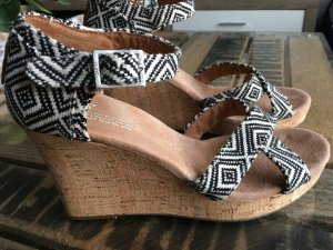 Schöne Toms Sandaletten