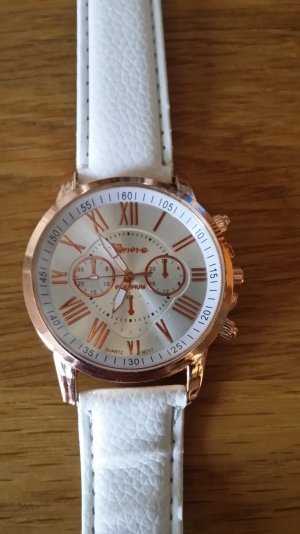Schöne Uhr in Weiss Neu