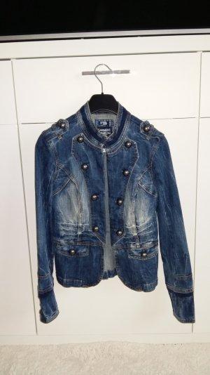 Schöne und ausgefallene Jeansjacke