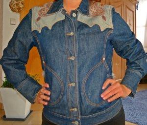 Schöne und ausgefallene Jeansjacke von Oilily