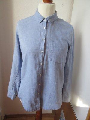 Schöne warme hellblaue Bluse aus Flanell