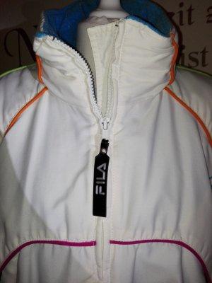 Schöne warme, weiße Thermo Winterjacke von Fila mit bunten Nähten