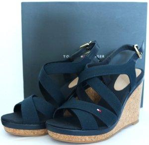 """Schöne Wedges-Sandaletten mit Keilabsatz von Tommy Hilfiger - Gr. 38 - dunkelblau - NEU mit Etikett"""""""