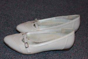 schöne weiße Ballerinas