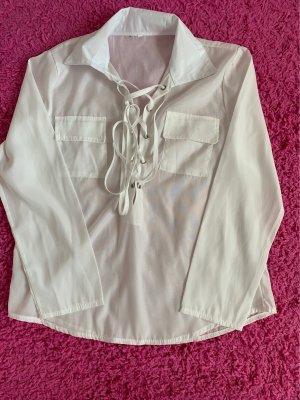 Cuello de blusa blanco