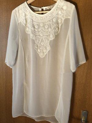 Schöne weiße Bluse mit Stickerei von Zara