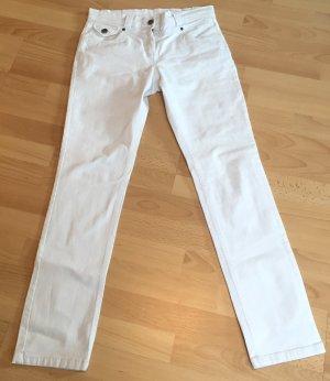 Schöne, weiße Jeans für den Frühling / Sommer