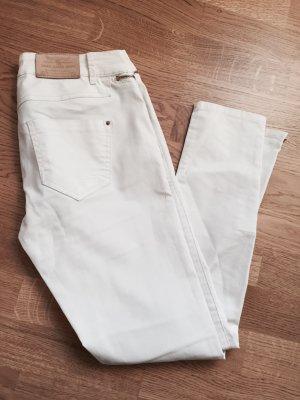 Schöne Weiße Jeans von Zara in festem Stoff mit goldenen Details