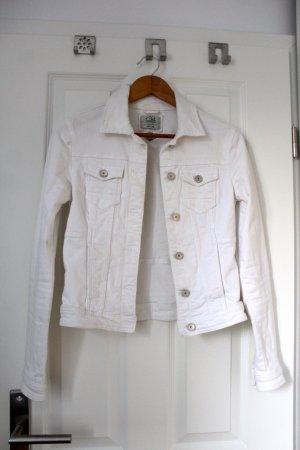 Schöne weiße Jeansjacke