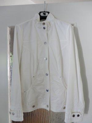 Schöne, weiße, leichte Übergangsjacke von Betty Barclay