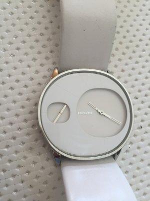 Schöne weiße Nixon Uhr