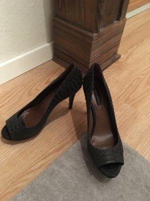 Schöne Zara Peeptoe Schuhe in schwarz