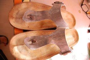 Sandalo toe-post argento-sabbia
