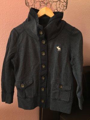 Schöner Abercrombie Pullover in einem Graublau