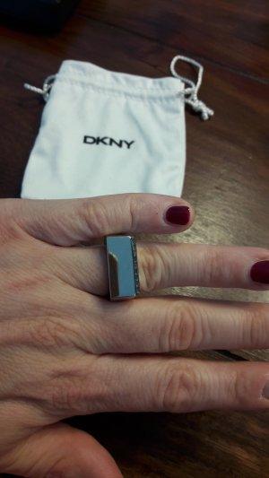 DKNY Anillo color plata acero inoxidable