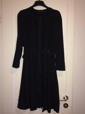 Schöner dünner Mantel von Zara