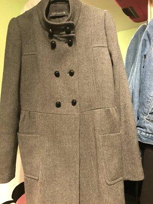Schöner eleganter Mantel