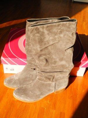 Schöner grauer Wildleder-Stiefel von Akira/Görtz in Größe 41 – UNGETRAGEN!!!