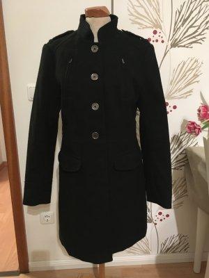Schöner H&M Mantel mit Knöpfen