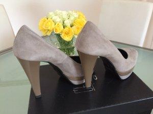 High Heels beige leather