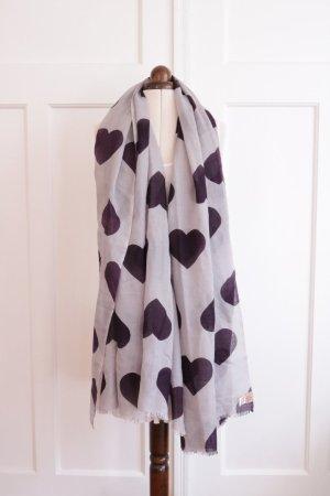 Schöner hochwertiger Schal mit Herzen von Becksöndergaard