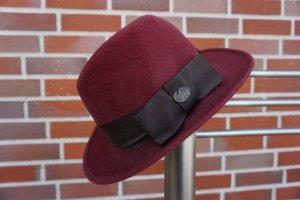 Cappello in feltro viola