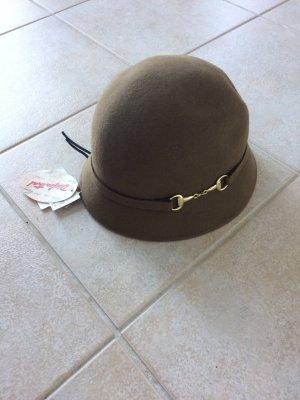 Schöner Hut für den Herbst