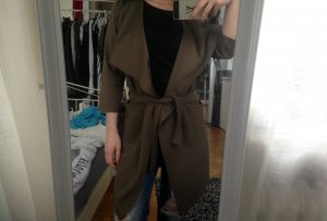 Schöner khaki Mantel
