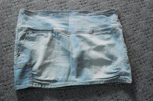 schöner kurzer Jeansrock von Bershka Größe 42