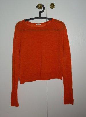 Schöner kurzer Pullover
