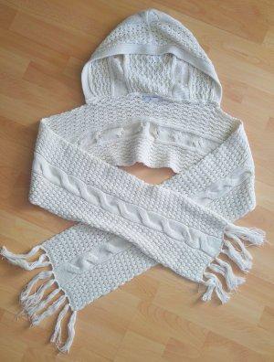 Schöner, kuscheliger Schal, mit super praktischer Kapuze!